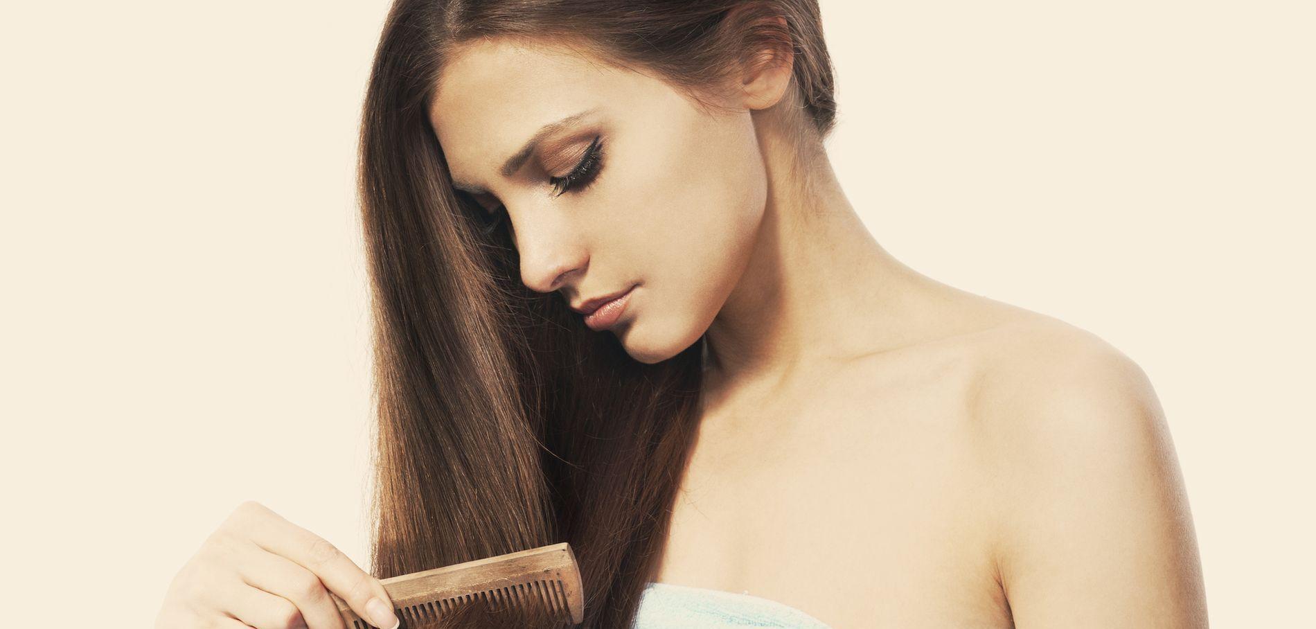 peigne et cheveux