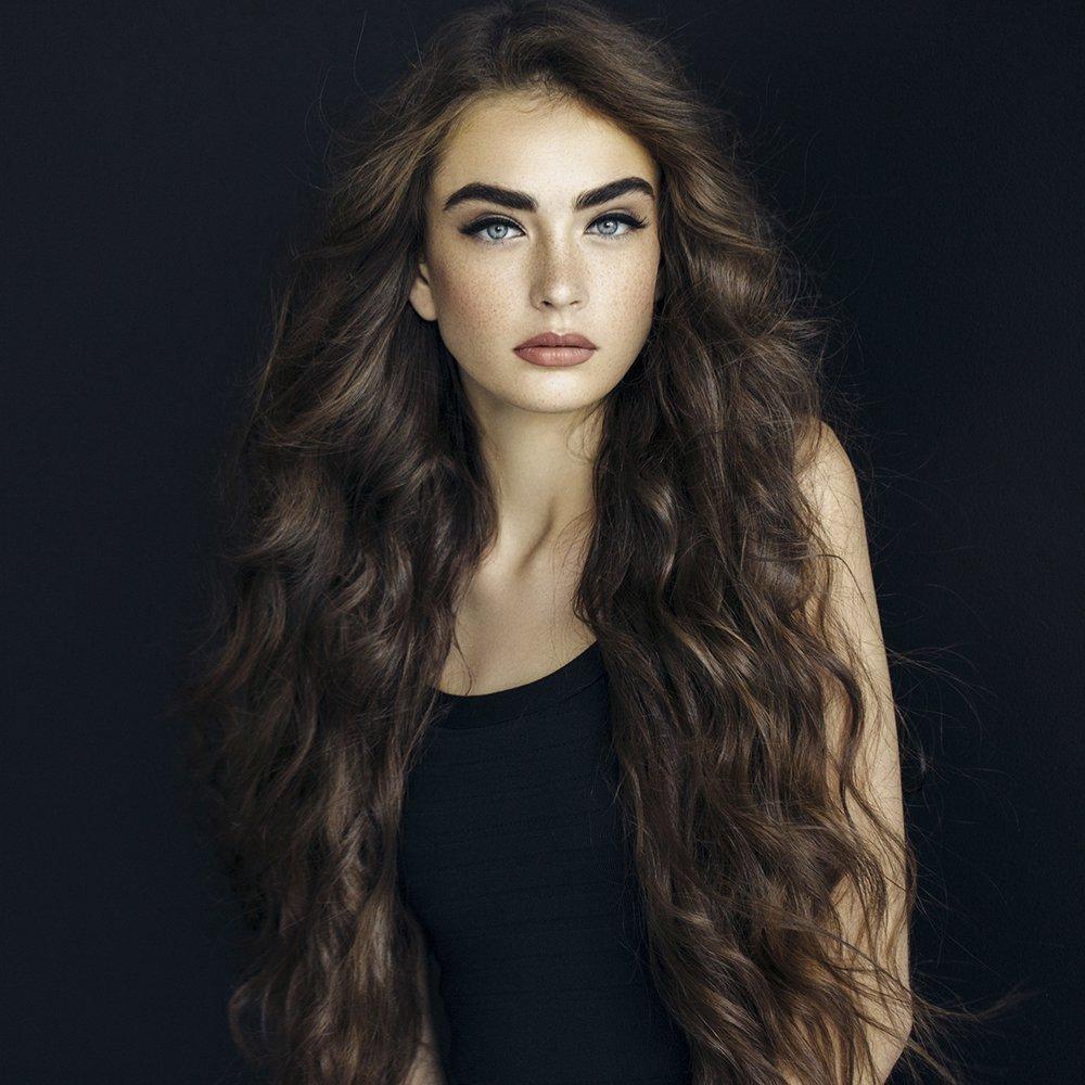 femme cheveux épais
