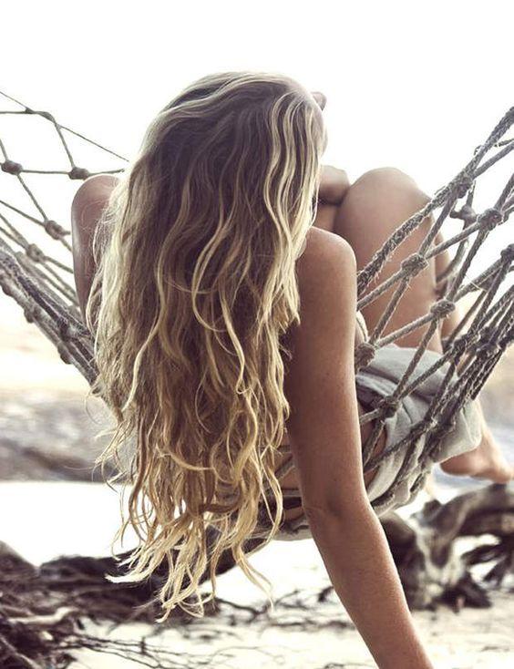 coiffure de plage crinière sauvage